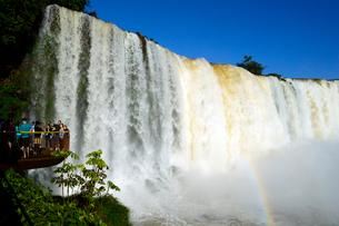 イグアスの滝悪魔ののど笛の写真素材 [FYI01689466]