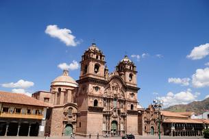 アルマス広場のラコンパニーアデヘスス教会の写真素材 [FYI01689625]