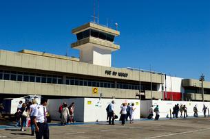 フォスドイグアス空港のターミナルビルの写真素材 [FYI01689659]