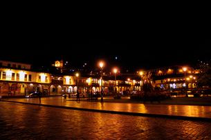 アルマス広場の夜景の写真素材 [FYI01689702]