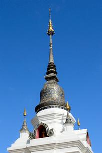 寺院のワット・スアン・ドークの塔の写真素材 [FYI01691093]