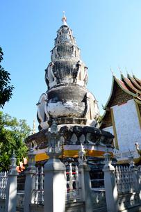 寺院のワット・クー・タオの写真素材 [FYI01691144]