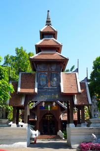 寺院の塔の写真素材 [FYI01691292]