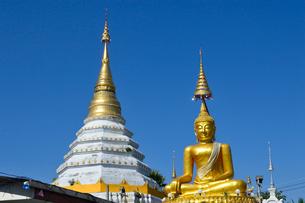寺院のワット・チェン・ユーンの塔の写真素材 [FYI01691409]