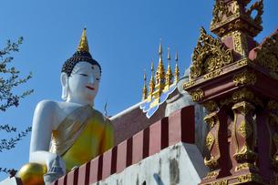 寺院のワット・モンティエンの仏像の写真素材 [FYI01691463]