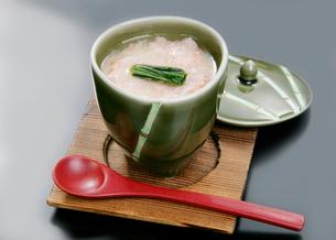 日本料理、蟹の入り茶碗蒸しの写真素材 [FYI01691791]