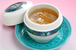 中華料理、フカヒレスープの写真素材 [FYI01691939]
