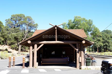 グランドキャニオン鉄道の駅舎の写真素材 [FYI01692220]