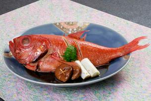 金目鯛の姿煮の写真素材 [FYI01692261]