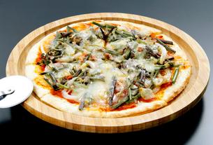 山菜ピザの写真素材 [FYI01692464]