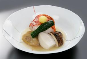 日本料理、金目鯛の煮物の写真素材 [FYI01692517]