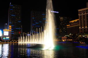 ラスベガスのホテルの噴水ショーの写真素材 [FYI01692520]