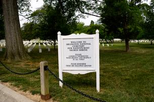 アーリントン国立墓地の表示板の写真素材 [FYI01692725]