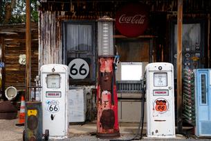 ヒストリックルート66アンティークなガソリンスタンドの写真素材 [FYI01692822]