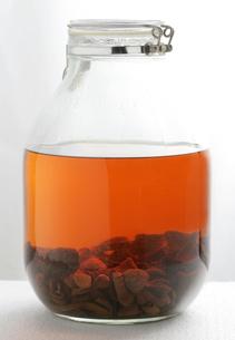 アガリクス茸の漢方酒の写真素材 [FYI01692827]