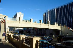 ラスベガスのブールバード大通りのにぎわいの写真素材 [FYI01693168]