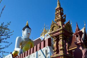 寺院のワット・モンティエンの仏像の写真素材 [FYI01693400]