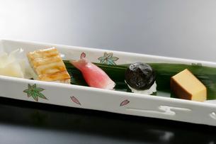 握り寿司の写真素材 [FYI01693569]