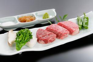 焼き肉用牛肉の写真素材 [FYI01693922]