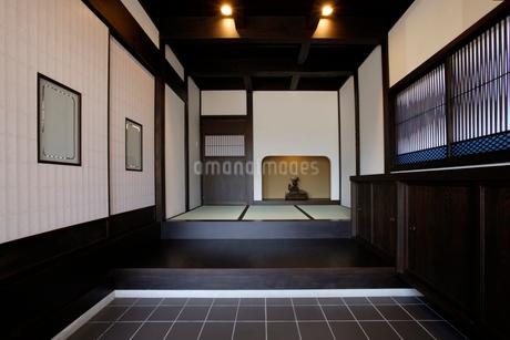 古民家住宅の玄関の写真素材 [FYI01694232]
