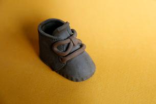 陶器の靴の写真素材 [FYI01694289]