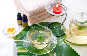 お茶と癒しのイメージの写真素材 [FYI01694338]