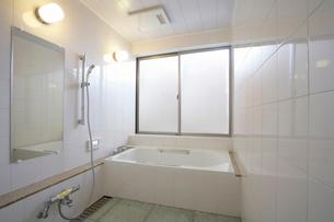 住宅風呂の写真素材 [FYI01694360]
