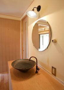 洗面台の写真素材 [FYI01694363]