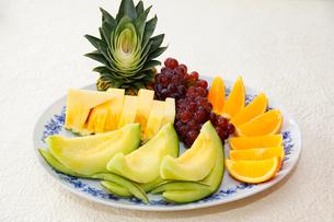 フルーツの盛り合せの写真素材 [FYI01694419]