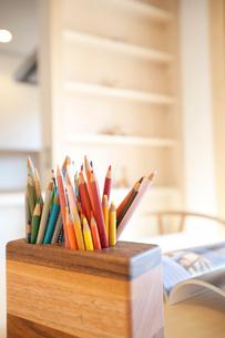 ダイニングと色鉛筆の写真素材 [FYI01695127]