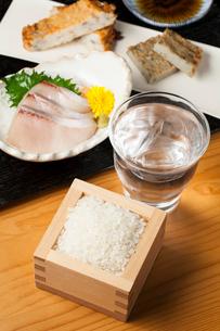 白米と米焼酎の写真素材 [FYI01695268]