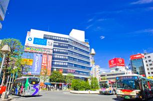 吉祥寺駅北口バスロータリーの写真素材 [FYI01695945]