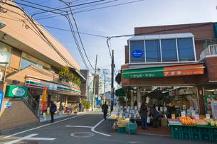 セブンイレブン柴崎駅南口店の写真素材 [FYI01696046]