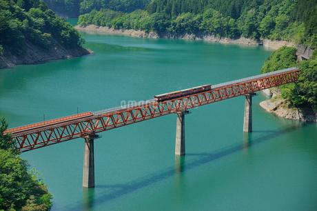 大井川鉄道井川線レインボーブリッジの写真素材 [FYI01699200]