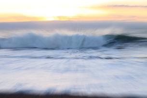 波の写真素材 [FYI01699830]