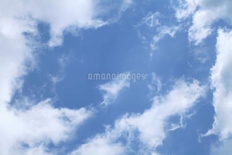 青空と雲の写真素材 [FYI01699995]