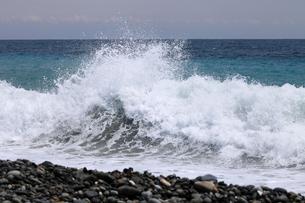 七里御浜海岸 波頭の写真素材 [FYI01700020]