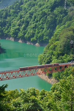 大井川鉄道井川線レインボーブリッジの写真素材 [FYI01702426]