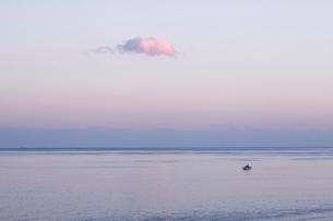 夕暮れの海の写真素材 [FYI01703285]