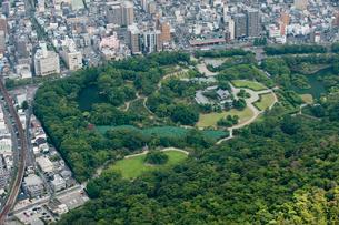 栗林公園(空撮)の写真素材 [FYI01703845]
