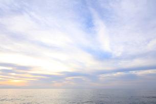 七里御浜海岸の夜明けの写真素材 [FYI01704592]