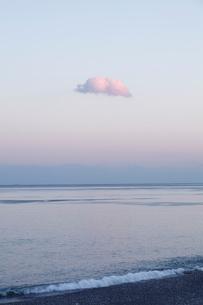夕暮れの海の写真素材 [FYI01704857]