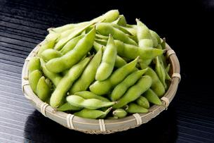 枝豆かご盛りの写真素材 [FYI01707718]