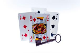 キングカードと鍵の写真素材 [FYI01708430]