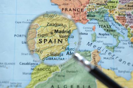 ルーペで見た地図上のスペインの写真素材 [FYI01708629]