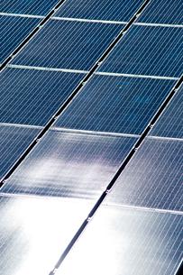 太陽光発電パネルの写真素材 [FYI01708741]