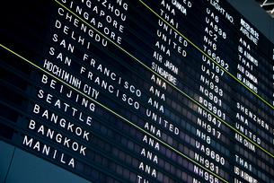 空港のインフォメーションボードの写真素材 [FYI01708882]