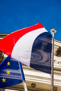 たなびくフランス国旗の写真素材 [FYI01708912]