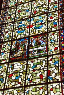 ブールジュ大聖堂のステンドグラスの写真素材 [FYI01708989]