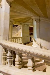 シャンボール城のダ・ヴィンチの設計とされる二重螺旋階段の写真素材 [FYI01709172]